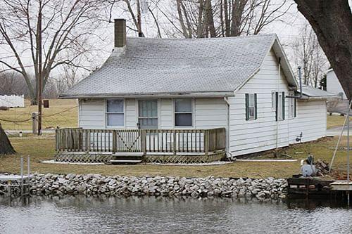 hoffman lake channel front home schrader real estate and auction co land auction marketing. Black Bedroom Furniture Sets. Home Design Ideas